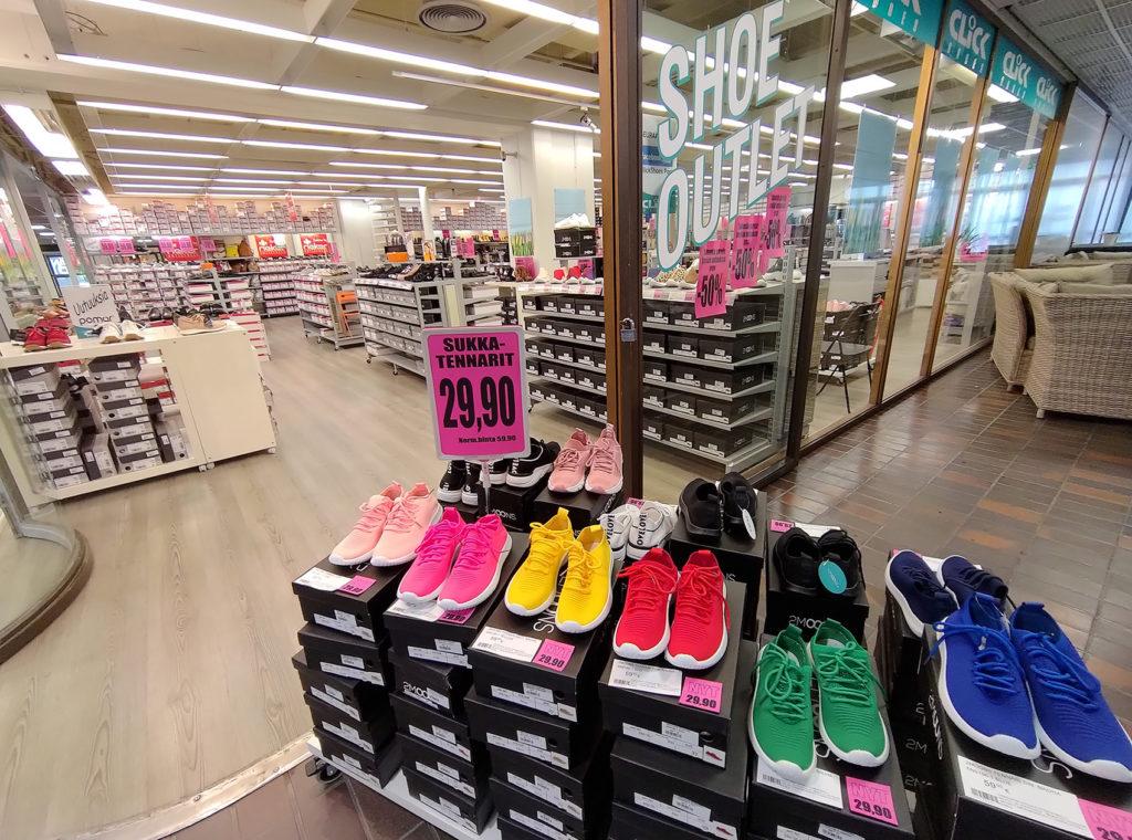 Teljäntori, Clicks kenkäkauppa Pori